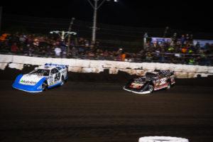 Bobby Pierce battles with Jonathan Davenport