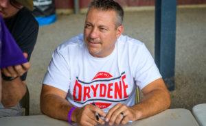 Madden signs autographs at Lernerville