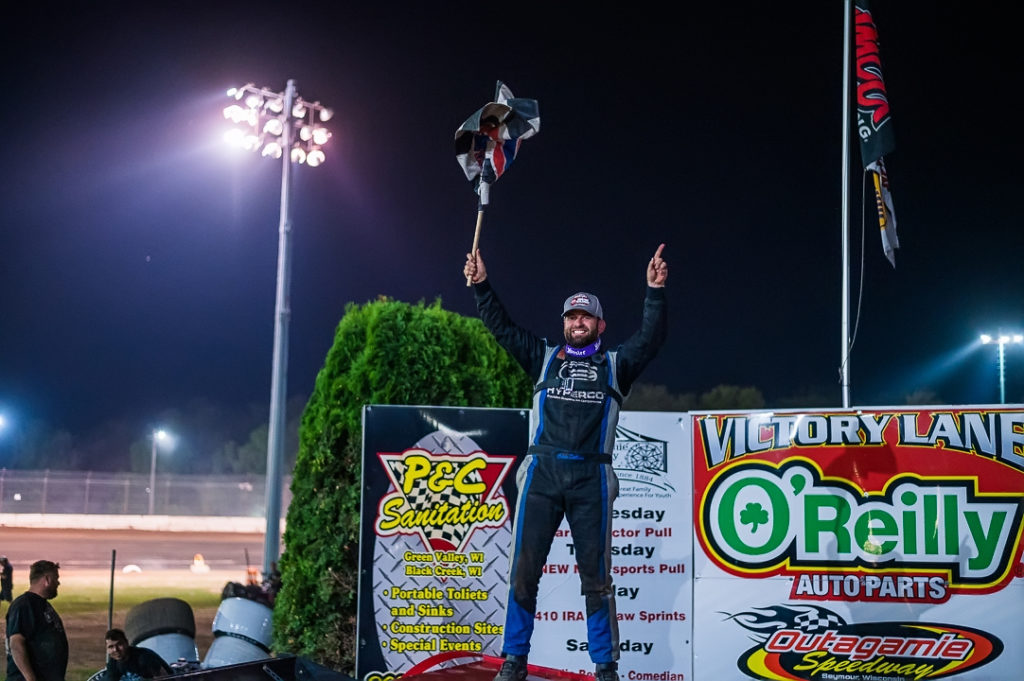 Cade Dillard wins at Outagamie