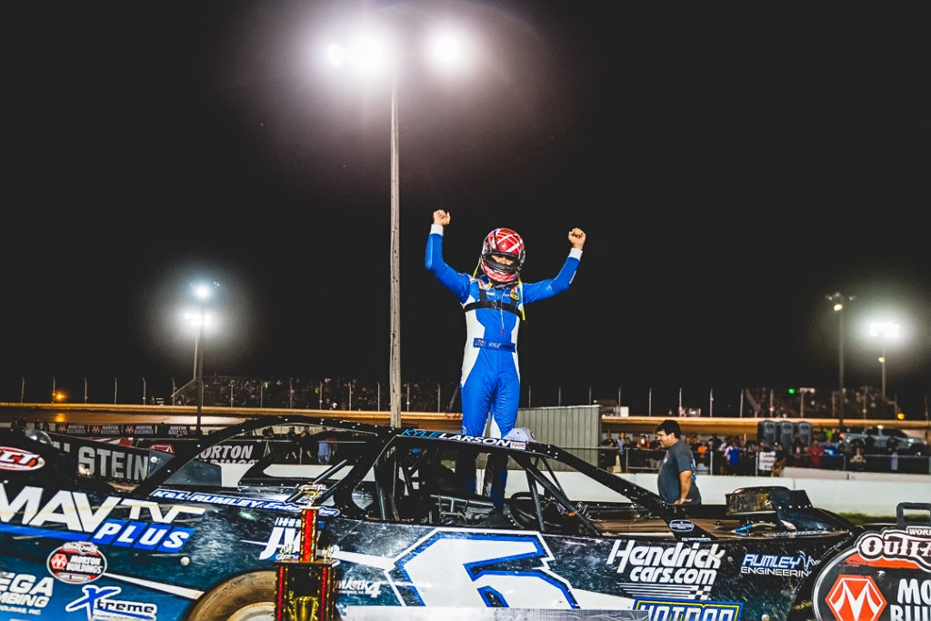 Larson wins at Sharon