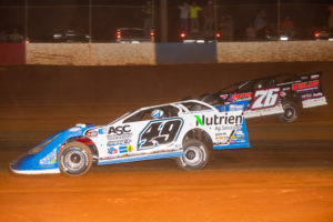 Overton and Davenport battle for the lead